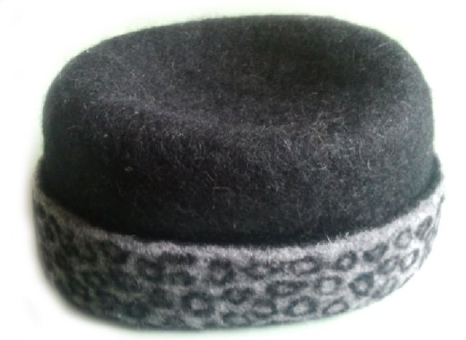 Felted Hat in Black and Storm Gray MC-1 Merino Cross Batts