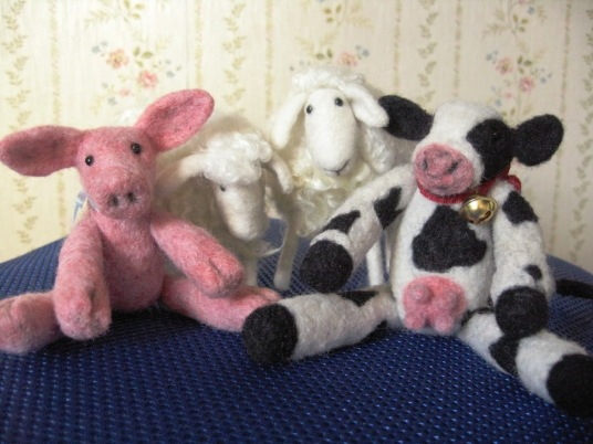 Neelde Felted Cow With Bell, White Sheep and Pig