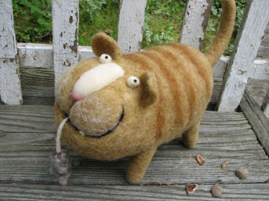 Needle Felted Cat with Caught Mouse