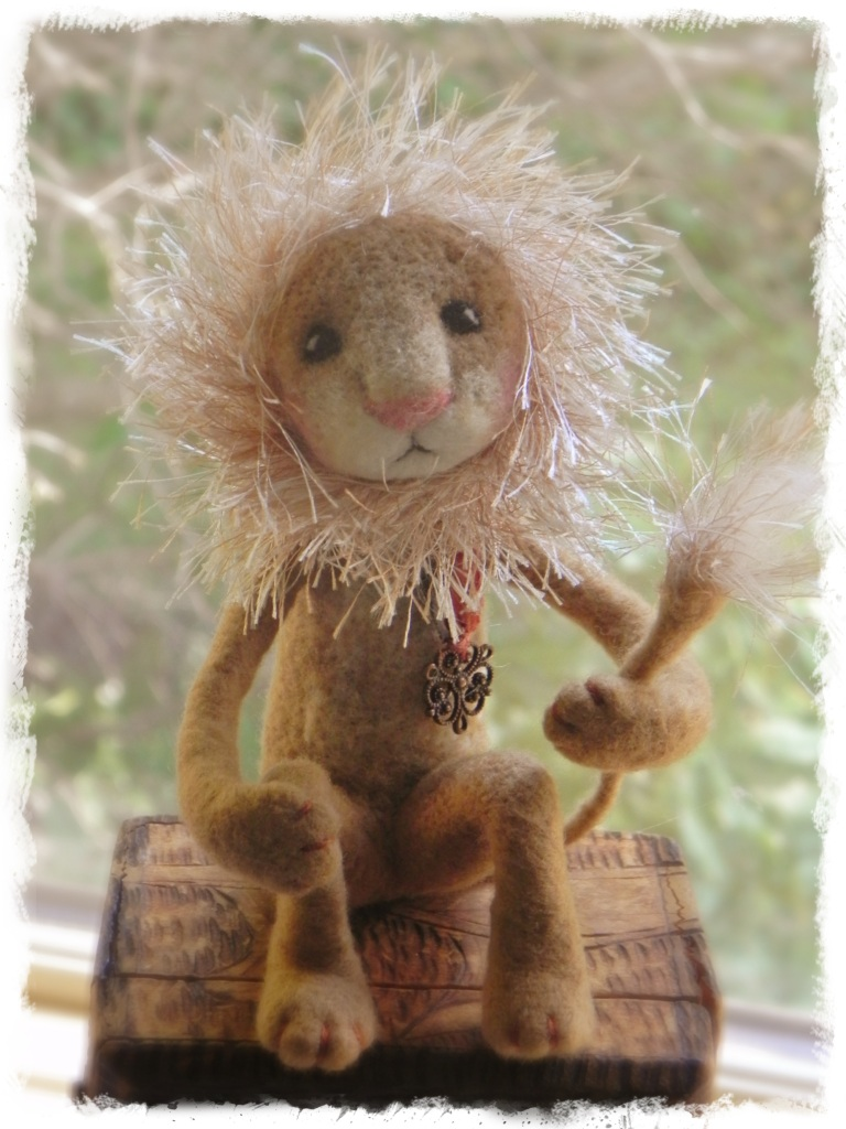 Amy Brand Sweet Pea Felts Needle Felted Lion