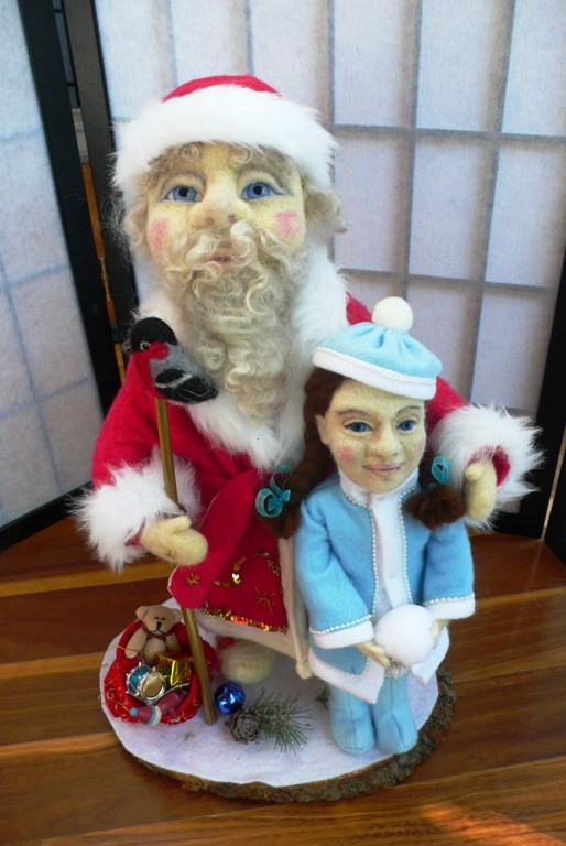 Wet and needle felted russian santa ded moroz with helper