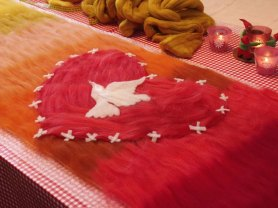 nuno felt red for peace fetl exchange by Cristina Pacciani of Cricri Felt
