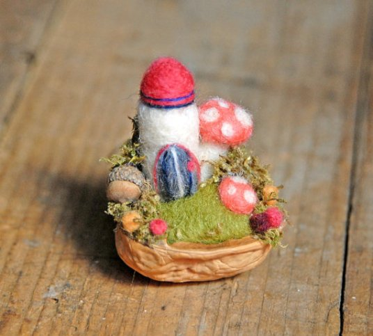 Waldorf Inpsired Felted Gardens, Fairy & Gnome Homes by Ginger Little featured on www.livingfelt.com/blog