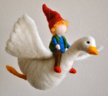 WALDORF FELTED MOBILE by Marcela at Magic Wool on etsy. Featured on the Living Felt Blog. https://livingfelt.wordpress.com