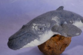 Needle felted whale by Joshua Gardner Featured on www.livingfelt.blog