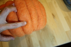 Needle Felting a Pumpkin Bowl Tutorial on www.livingfelt.com/blog