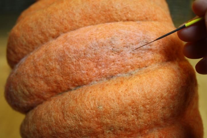 Needle Felting a Pumpkin Bowl Tutorial on www.livingfelt.com/blog