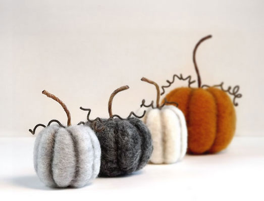 Felted Pumpkins by Janine Gardner of Foxtail Creek featured on www.livingfelt.com/blog