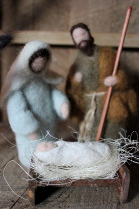 Needle Felted Nativity by Katie Frisbie,, Featured on www.livingfelt.co/blog