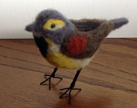 Laurie Paulik - realistic needle felted birds on www.livingfelt.com/blog