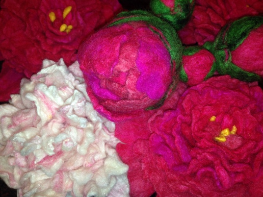 Making felted peonies by Mary Beth Colton on www.livingfelt.com/blog