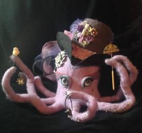Michele White Needle Felted Octopus on www.livingfelt.com/blog