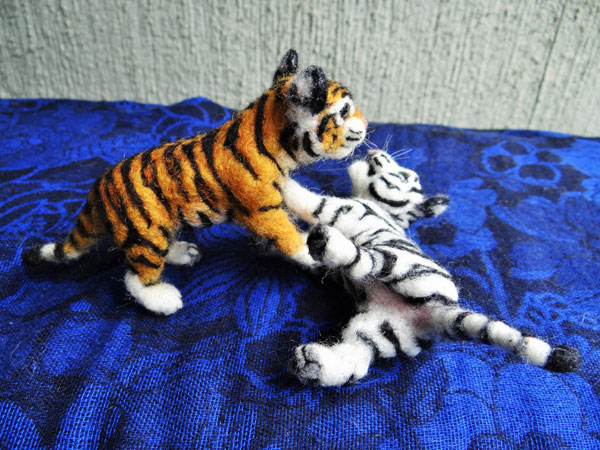 Needle Felted Tiger Cubs by Carol Rossi on www.livingfelt.com/blog