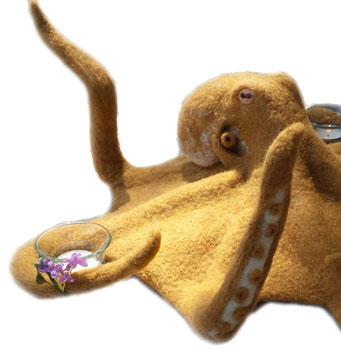 needle felted octopus is incrediible!