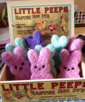 Felted Easter Bunnnies by Heather Kramer featured on www.livingfelt.com/blog