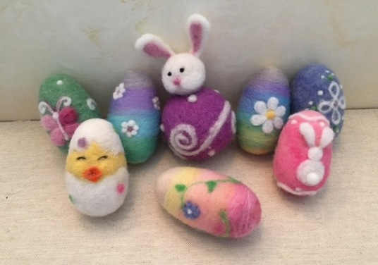 Felted Easter Eggs by Anne Franklin featured on www.livingfelt.com/blog