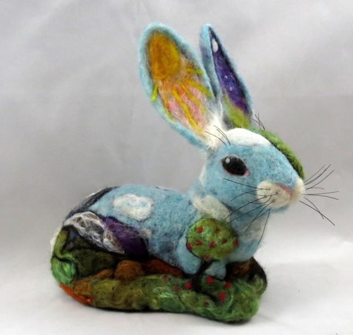 Needle Felted Bunny by Kathleen Dodge-DeHaven featured on www.livingfelt.com/blog.