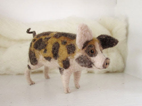 Needle Felted Pig by Erin Carlson featured on www.livingfelt.com/blog