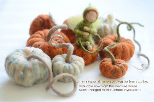 Needle Felted Pumpkins by Arzu Unel-Cleary featured on www.livingfelt.com/blog.