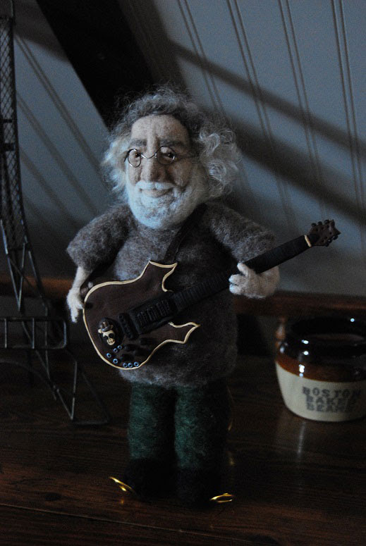 Needle Felted Jerry Garcia Sculpture by Nori Bucci featured on www.livingfelt.com/blog