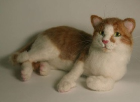 Needle Felted Cat by Irene Clark featured on www.livingfelt.com/blog