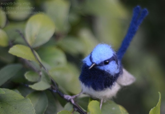Needle Felted Wren Bird by Arzu Unel-Cleary featured on www.livingfelt.com/blog