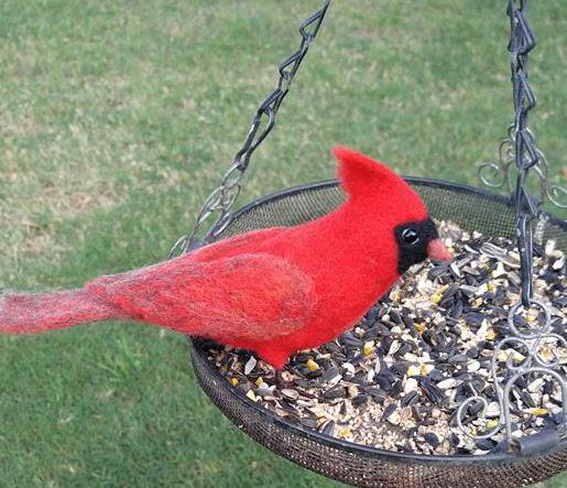 Felt Cardinal Bird by Tessa Bold featured on www.livingfelt.com/blog