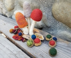 Needle Felted Fall Creations by Susan VanLith featured on www.livingfelt.com/blog