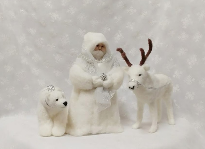 Felted Holiday Sculptures by Marianne Oberbillig featured on www.livingfelt.com/blog