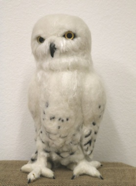 Felted Snowy Owl by Karin Fish featured on www.livingfelt.com/blog