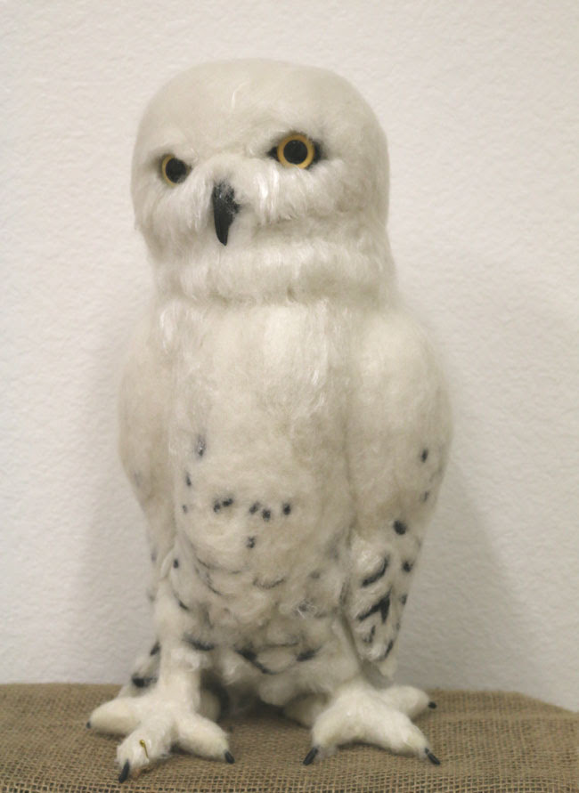 Felted Snowy Owl by Karin Fish featured on www.livingfelt.com/blog